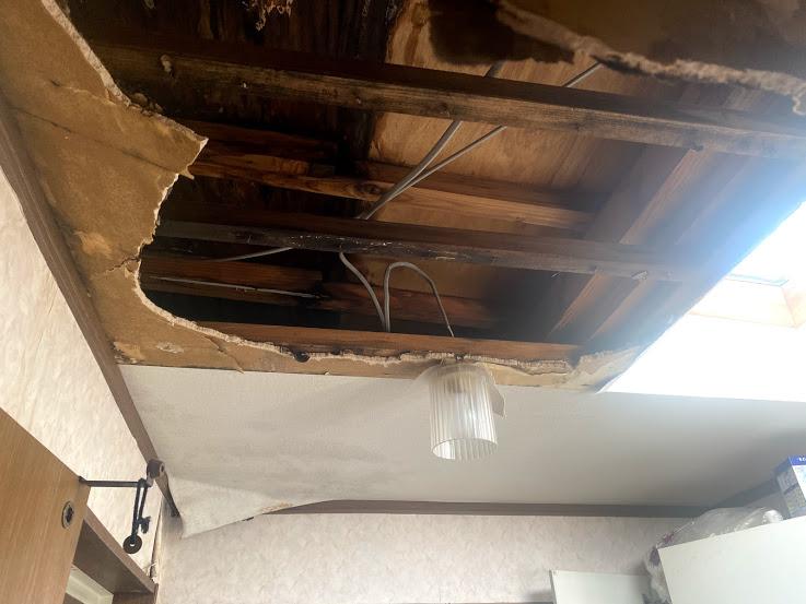 雨漏れ 天井が落ちました